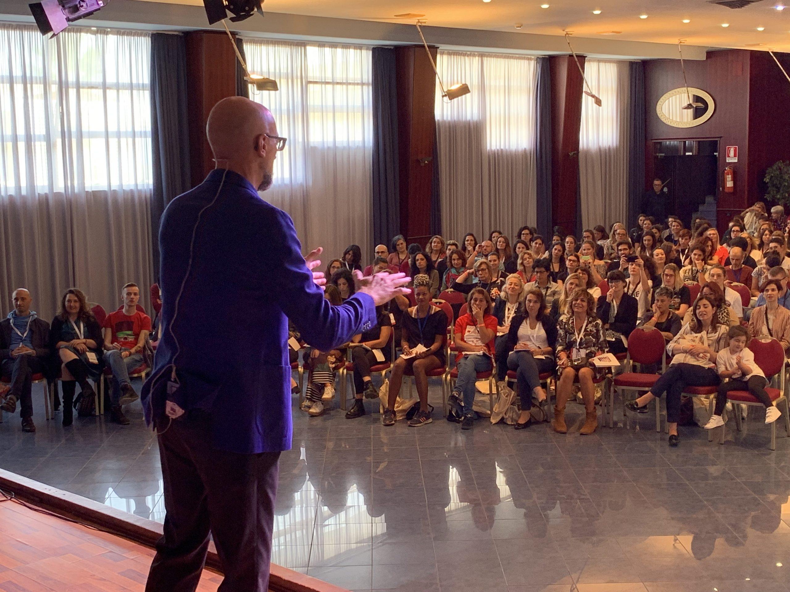 """Rallentare: discorso agli Arti Terapeuti di Artedo a """"Isola Creativa 2019"""""""