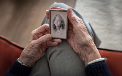 Il ricordo e la memoria: monumenti di sé con l'autobiografia creativa